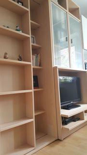 toller Büro- TV- und Bücher