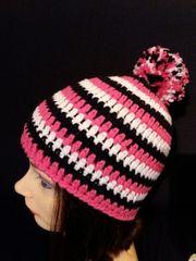 Mütze mit Bommel Handmade