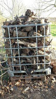Brennholz gesägt Obstbäume mehr als