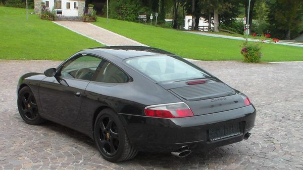 Porsche911 996 Carrera Coupe E-Dach