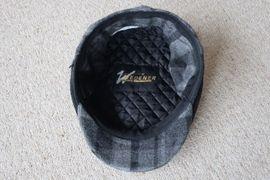 Verkaufe Schiebermütze Mütze mit Ohrenklappen: Kleinanzeigen aus Niddatal - Rubrik Sonstige Kleidung