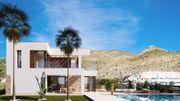 Luxuriöses EFH mit privatem Pool