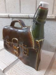 Tasche mit Flasche aus Glas