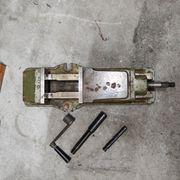 Hydraulischer Schraubstock