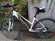 Crossbike hochwertig u fast neu