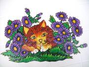 Fensterbild Katze im Blumenfeld liegend