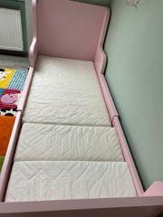 Kinderbett BUSUNGE von Ikea mit