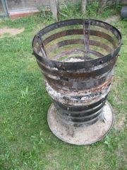 Feuerstelle Feuerkorb mit Untersetzer und