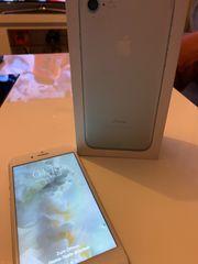 Iphone 7 32GB mit Zubehör