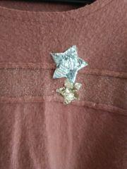 Schöner flauschiger Pulli mit Stern