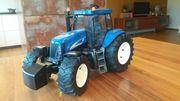 BRUDER Lenk-Traktor