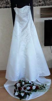 Brautkleid Gr 40 mit Schleppe