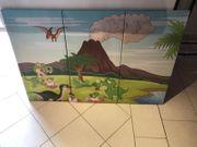3 teigiges Dinosaurier Kinderhilfe auf