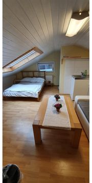 Vermiete Zimmer mit Möbel