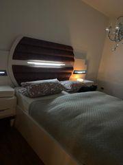 Doppelbett mit LED Beleuchtung und