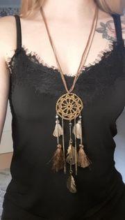 Lange Halskette mit Traumfänger