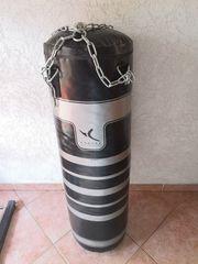 Boxsack mit Aufhängung 30Kg Domyos