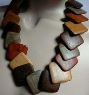 Holzkette toll gearbeitet mit echten