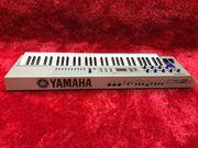 YAMAHA CS2X Vintage Control Synth