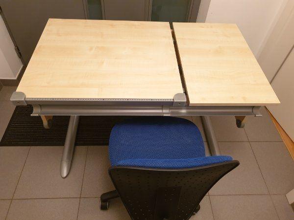 Schreibtisch der Marke Kettler Bürostuhl
