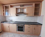 Küche mit Elekrogeräten