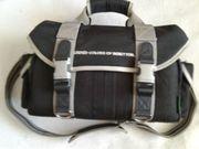 Benetton Camera Tasche mit Inneneinteilung