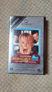 3 VHS Videos Kevin allein