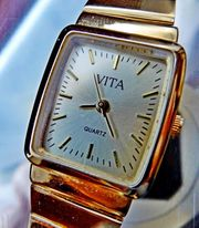 Elegante neuwertige u flache Damen-Marken-Armbanduhr