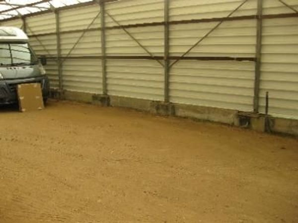 Garage Unterstellplatz für Wohnmobil Wohnwagen