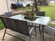 Tisch und Stühle für Terasse