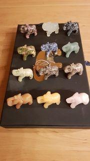 Kleine Edelstein-Elefanten in Sammelkiste