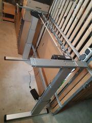 Elektrisch höhenverstellbares Schreibtischgestell