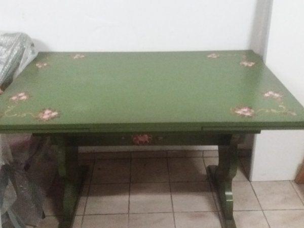 Esstisch bemalt mit 6 Stühleb