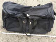 Big große Reisetasche mit Löchern