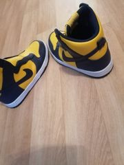 Nike schuhe ungetragen gr 40