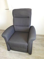 Sessel mit Relaxfunktion und Aufstehhilfe