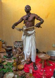 Traditioneller afrikanischer haitianischer Heiler