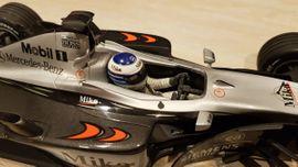Bild 4 - F1-Modellauto McLaren Mercedes MP4-16 Mini - Lehmen