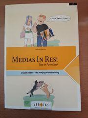 Medias in Res Top in