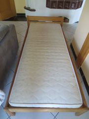 Massivholz-Bett 90 x 200cm