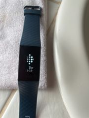Fitbit Charge 4 Fitnesstracker mit