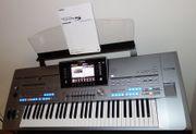 Yamaha Tyros5 mit 1GB und