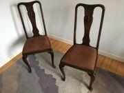 2 alte Eichenstühle