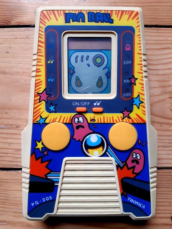 Retro Spielekonsole Game Tronica Pin