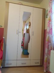 Biete Schlafzimmer-Möbel