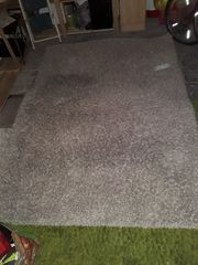Neuwertiger Shaggy-Teppich zu verkaufen