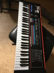Roland JX3P analoger Synthesizer