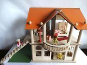 schönes grosses Puppenhaus Holz mit