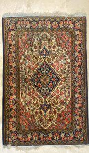 Persische Teppiche handgeknüpft