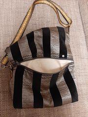 Asymetrische Handtasche